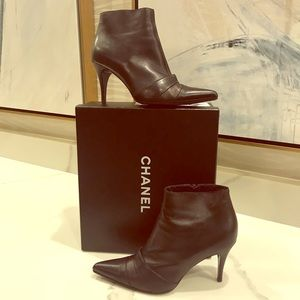 Chanel short Boots cap toe black size 37